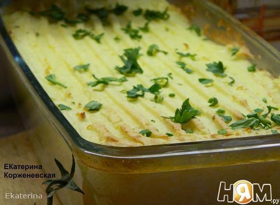 Картофельная запеканка с треской и креветками