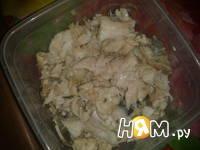 Приготовление салата из трески с яйцом: шаг 3