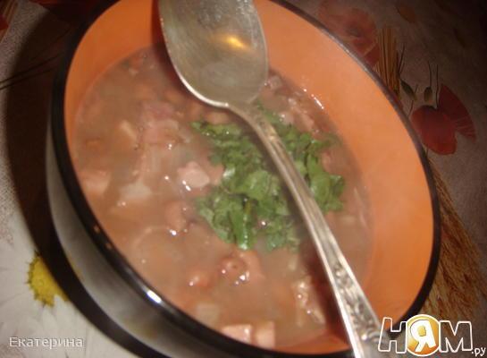 Фейохаджа (фасолевый суп с копченостями)