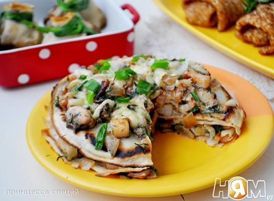 Рецепт Блинный пирог с жульеном из морепродуктов