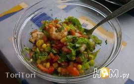 Салат с королевскими креветками