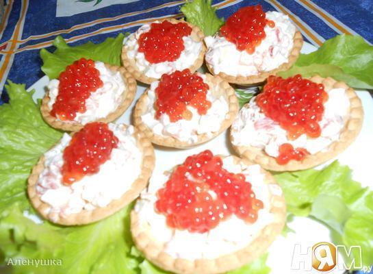 Рыбный салат в тарталетках