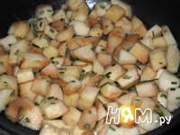 Приготовление семги с чесночным маслом и гарниром: шаг 3