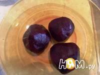 Приготовление свекольного салата с орехами: шаг 1