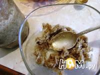 Приготовление свекольного салата с орехами: шаг 5