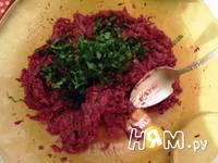 Приготовление свекольного салата с орехами: шаг 6