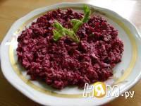 Приготовление свекольного салата с орехами: шаг 7