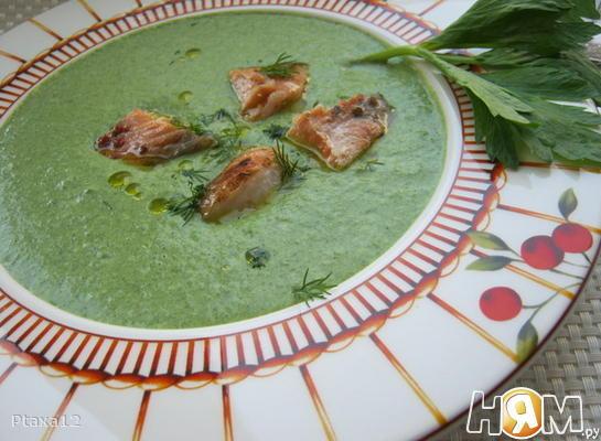 Зеленый суп-пюре с семгой