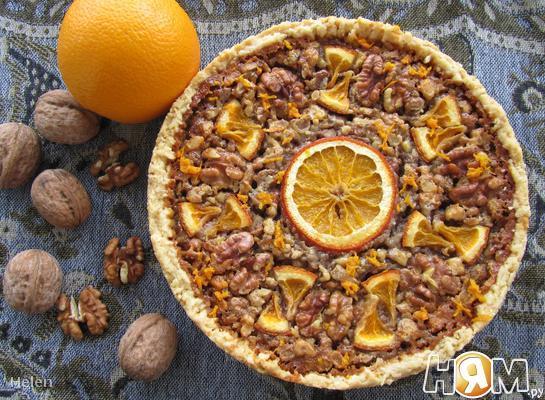 Пирог с грецкими орехами и кленовым сиропом