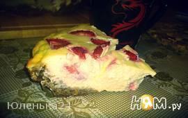 Творожный пирог на овсяной основе с клубникой