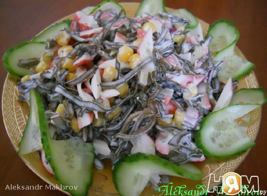 Рецепт Салат с морской капустой и кукурузой