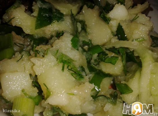 Картофельный салат со шпинатом