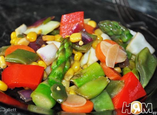 Тушеные овощи по-тайски