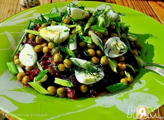 Салат из морской капусты с горошком