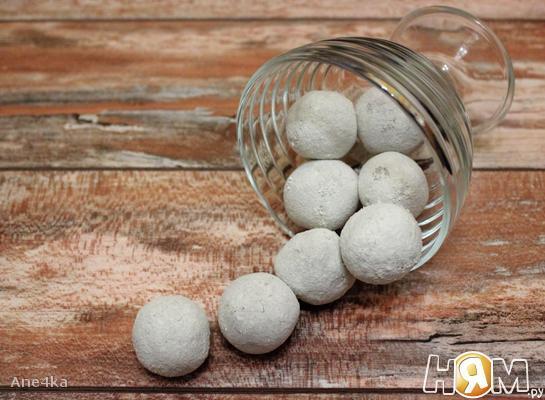 Чечевичные конфеты с миндалем