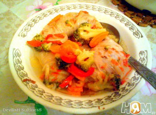 Голубцы из пекинской капусты на овощной подушке