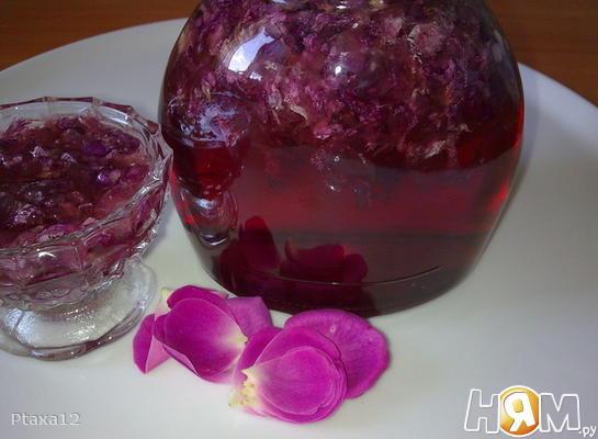 Розовое варенье