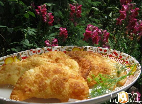 Рецепт Чебуреки с картофелем и сыром