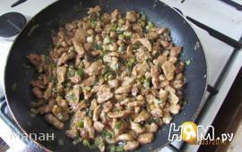 Мясо говядины в соевом соусе и зеленым луком