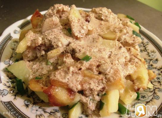 Жареный картофель с соусом Баже