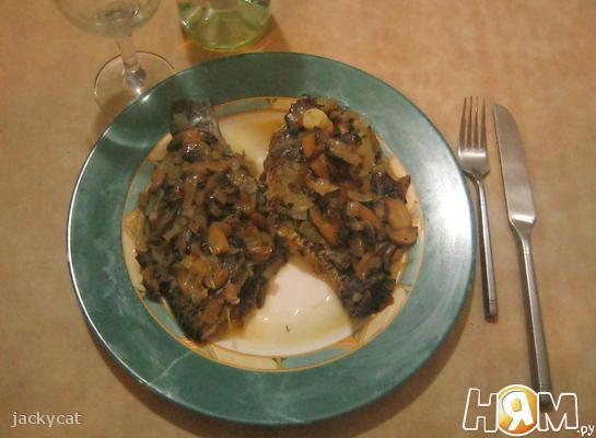 Рецепт Рыба в сливочном масле с вином и чесноком