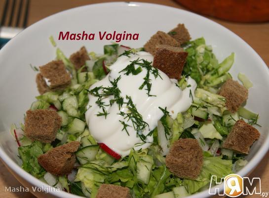 Рецепт Салат овощной с сухариками