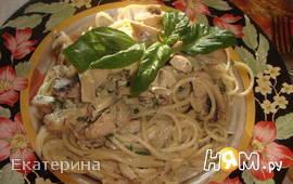 Спагетти с курицей и шампиньонами