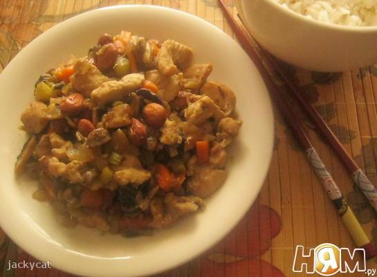 Курица по-китайски с миндалем