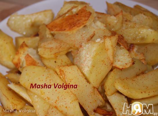 Картофель печеный с паприкой
