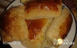 Слоеные пирожки с баклажанами