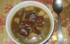 Бобовый суп с грибами