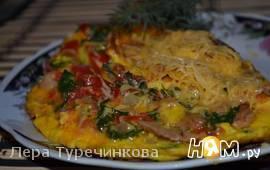 Омлет с овощами и курицей