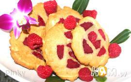 Печенье с белым шоколадом и малиной