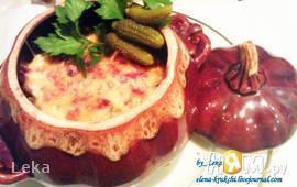 Говядина с овощами и бородинским хлебом в горшочке