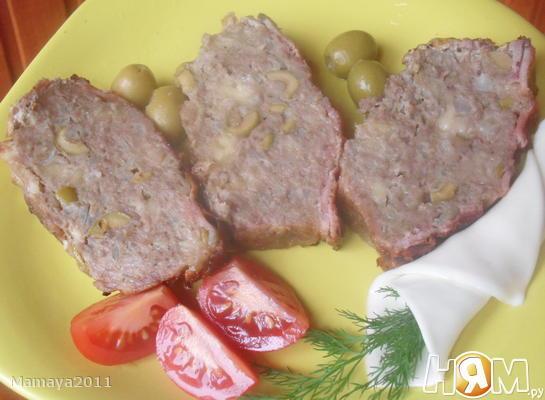Мясной хлебец с сыром и оливками