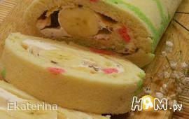 Бисквитный рулет с бананами