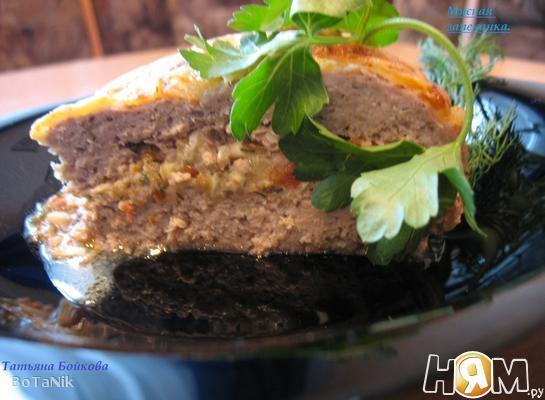 Мясная запеканка с грибами и яйцом